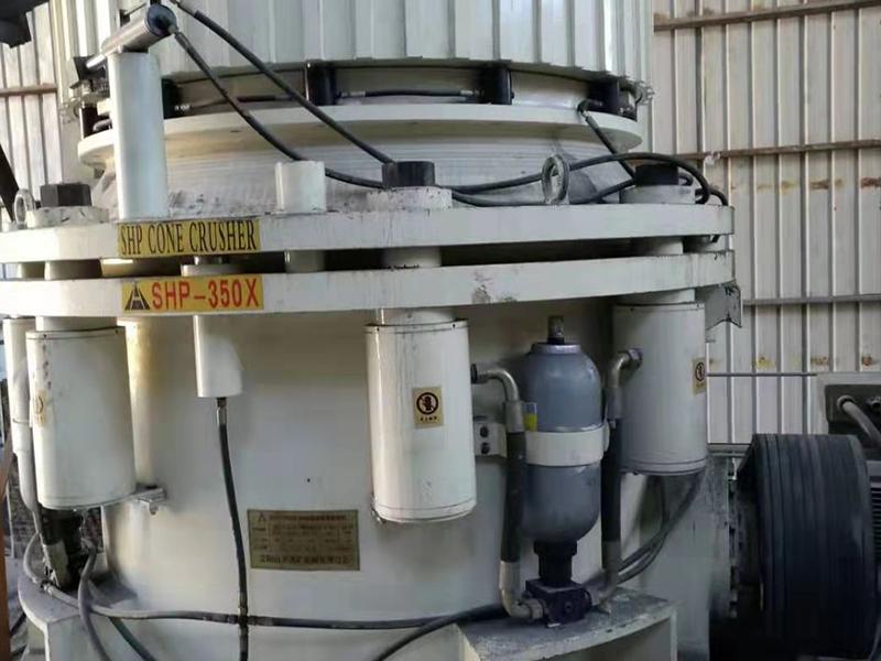 圆锥破碎机广泛用于矿石击碎
